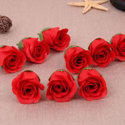 Contenitore di fiore del sapone della Rosa dei fiori artificiali con i giocattoli svegli per la cerimonia nuziale di festival di giorno del biglietto di S. Valentino