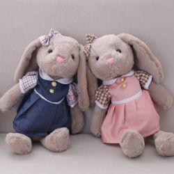 어린이를 위한 푹신한 장난감 스커트에 긴 이어버니 토끼 플러쉬가 있습니다