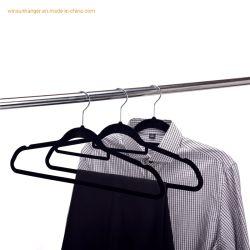 Wholesales antideslizantes de alta calidad de terciopelo negro de la luz de casa ropa de percha