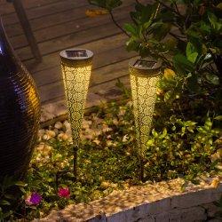 أضواء الممر الشمسية ديكور الحديقة أوتاد الديكور المعدنية المقاومة للماء في الهواء الطلق للممر