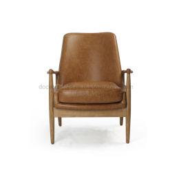 椅子を食事する広東省の家具の革クッションの純木のカシのアクセントの椅子のArmrest