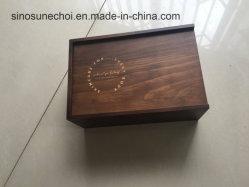 صندوق هدايا خشبي قديم بألوان قديمة مع شعار ذهبي لزيت المنتجع الصحي