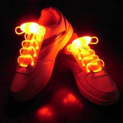 배터리 Evert를 사용하여 깜박이는 LED 신발끈 조명