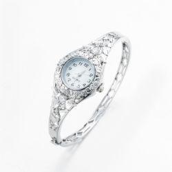 Noble de aleación de zinc chapado en plata de la mujer reloj brazalete