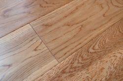 Dreilagige Eiche Massivholz Bodenbelag-Handgeschabt-Goldene Farbe