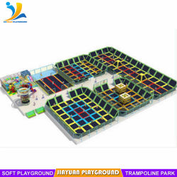 幼児の運動場が付いている構築の屋内トランポリン