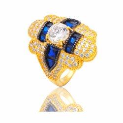 Het goud plateerde Echte Zilveren Uitstekende Ring met de Gecreërde Levering voor doorverkoop van de Juwelen van de Saffier Fijne
