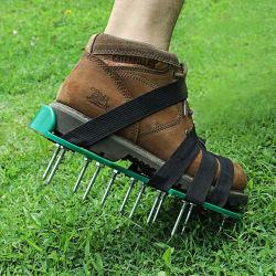 Газонные травы аэратора с остроконечными обувь с регулируемые лямки