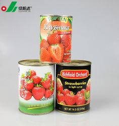 In Büchsen konservierte Erdbeere im hellen Sirup mit bester Qualität