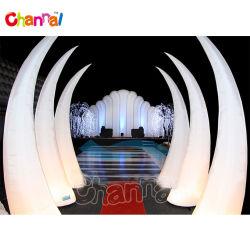 Décoration de mariage de cône de lumière LED gonflables publicitaires