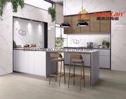 Glasig-glänzende keramische Fußboden-Wand-Polierfliese für Badezimmer-und Küche-Dekoration