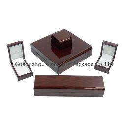 贅沢な焦茶の正方形の形の高いPoianoのポーランドのペンキによってラッカーを塗られる終了する軽い木製の材木の宝石類の荷箱