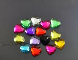 Forme de coeur acrylique 12 mm dos plat des pierres pour les bijoux de perles acryliques