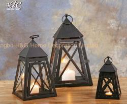 ピラミッドのホーム装飾的な蝋燭のランタン鉄およびガラス