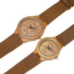 안쪽으로 가죽끈을%s 가진 귀여운 고라니 한 쌍 대나무 시계