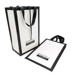 도매 화이트 커스텀 프린트 블랙 포장 럭셔리 선물 토테 캐리어 쇼핑용 로고 프린트를 포함한 종이 가방