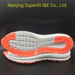 Lo sport ambulante comodo di prestazione del rifornimento perenne scarpa le suole