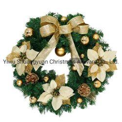 GoldweihnachtsWreath verziert mit Bowknot-Blumen-Kugeln