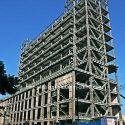 Une haute tour de la construction de maisons préfabriquées à ossature en Structure en acier de l'hôtel