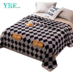 王のためのばねの超柔らかく柔らかく暖かく幾何学的な毛布