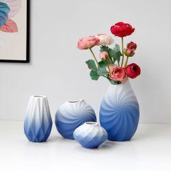 De noordse Blauwe en Witte Berijpte Ceramische Vaas van de Stijl