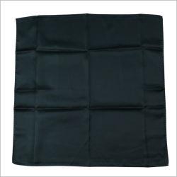 Nouveau design solide uniforme de couleur noir foulard en soie imprimé le logo de polyester (SF-017)