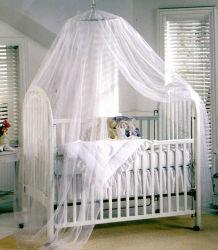 Reti della base del palazzo dei bambini appena nati per impedire il coperchio delle reti di zanzara