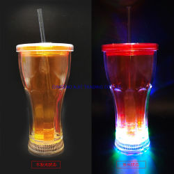 Gare de triage LED tasses avec de la paille pour le parti et le Bar