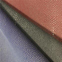 2020 nouveau style de siège de voiture cuir avec fini de broder et de la mousse en similicuir stratifié