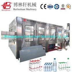 A 15.000 botellas por hora bebida carbonatada de lavado automático de presión equilibrada el tornillo de llenado y tapado Máquina 3 en 1