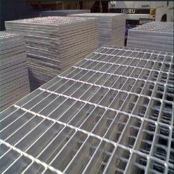 Barre de métal de haute qualité de la sécurité caillebotis en acier trempé à chaud l'étape avec grille en acier galvanisé