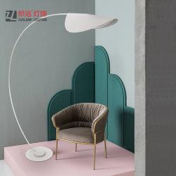 Einfacher Entwurfs-Hotel-dekorativer Metallfußboden-stehende Lampe