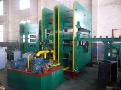 Verwendeter Gummi, der hydraulische Presse-Maschine formt