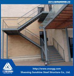 GB 溶接スチール構造プリファブ式ハウス用トラス付き直線階段