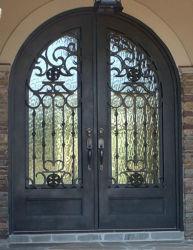 Première porte avant extérieure de fer travaillé de voûte