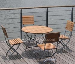 La preuve de la rouille jardin patio de ligne de l'acier commercial de bois pliantes Table et chaise de salle à manger en plein air Ensemble mobilier