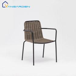 屋外のための北欧の庭の金属の鉄ロープの椅子をスタックする耐久財