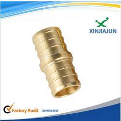 Custmizedの製造サービスCNCによって回される機械化の真鍮の管の台所装置はアダプターのカップリングの付属品を分ける