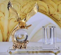 Commerce de gros en Métal Décoration de l'AIGLE Crystal Craft prime de fournitures de bureau cadeau d'entreprise de promotion