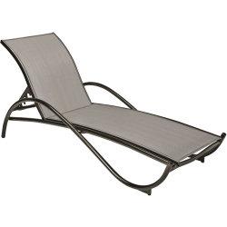 Lounger di menzogne di Sunbed della base del salotto del giardino della piscina della spiaggia del rattan esterno della mobilia