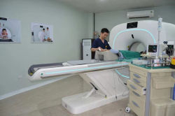 의료 장비 70cm 구경 3D 레이저 위치 지정 시스템 16 슬라이스 CT 스캔 기기 가격