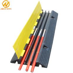 適用範囲が広い3つのチャネルゴム製ケーブルの保護装置の傾斜路の床ケーブルの保護装置またはケーブルの保護装置のこぶ
