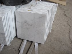 China Carrara Laje de azulejos em mármore branco de fachada-/Piso/balcão em mármore decoração doméstica