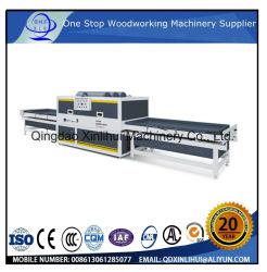 형성하는 PVC 셔터 문 최신 진공 PVC/베니어 광택 있는 필름 또는 매트 필름 MDF 문 접착제 누르는 기계를 가진 문 위원회를 위한 박판으로 만드는 기계를 누르기