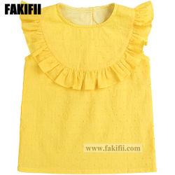 女の子の黄色い綿の刺繍のブラウスの子供によって編まれるワイシャツに着せているばねまたは夏の摩耗の子供