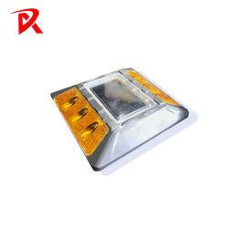 L'aluminium des éclats de plastique de la route route solaire le goujon de marqueur