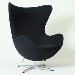 世紀半ばの現代家具のアルネJacobsenの卵の椅子のレプリカ
