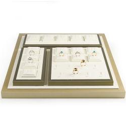 Gros en Chine MDF personnalisée en usine enveloppé avec de la crème et or Bijoux en cuir de PU Afficher Set pour les bagues détenteur de l'exposant