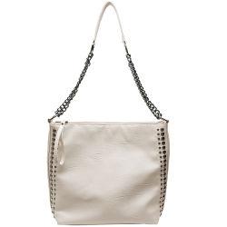 De witte Handtassen van de Zak van de Schouder van de Dames van de Stijl van de Hardware van het Metaal van de Klinknagels van de Gelijke van het Leer van de Kleur Pu Zwarte Eenvoudige