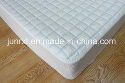 Beschermer van uitstekende kwaliteit van de Matras van de Laag van de Lucht van het Koord van de Polyester van de Zijde de Blauwe Koele Voelende Waterdichte met Witte Gebreide Stof